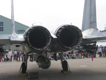 2005_F15_eng.jpg